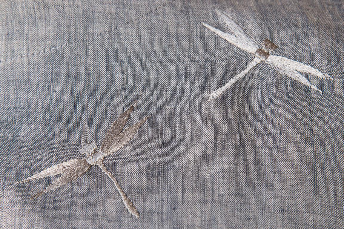 Серая туника со серыми стрекозами